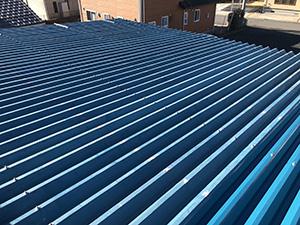 折板屋根の塗装